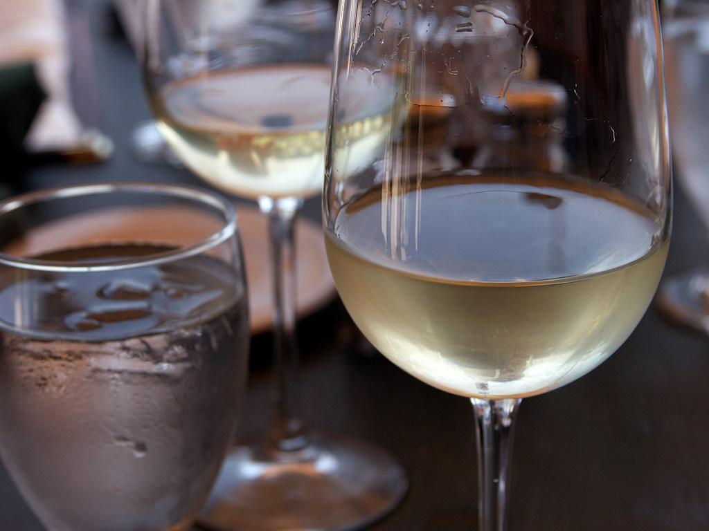 white-wine-fiorino-d-oro-restaurant